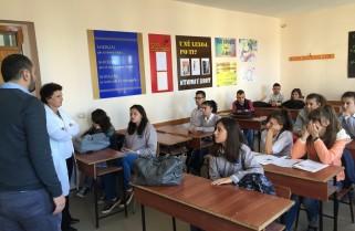 """Akademia Rinore prezantohet me nxenesit e shkolles """"Halim Xhelo"""" ne Vlore"""