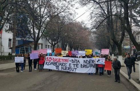 Akademia Rinore ne Peshkopi, promovon ne qytet Diten Boterore te te Drejtave te Njeriut